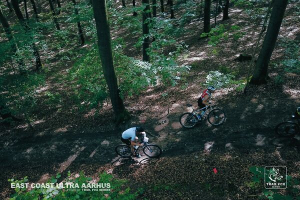 Mountainbikes i skov